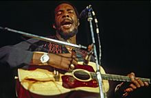 Richie Havens singing