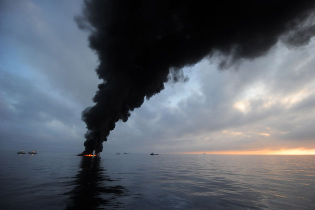 BP deepwater horizon controlled fire